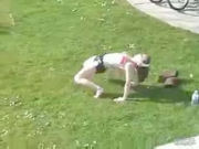 Girl secretely filmed in the parc while doing hot excercises!