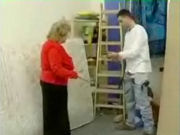 Housewives finds the painter of her appartment reading a porn magazine!