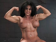 Muscular woman fucking really roughly at the gym